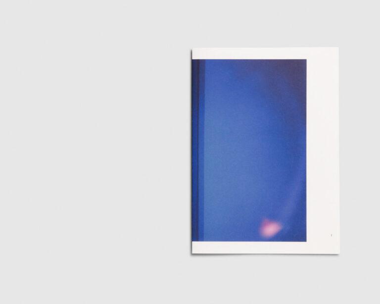 Katern voor 'bleu, blue. blau, melyna' —  Liesbet Grupping
